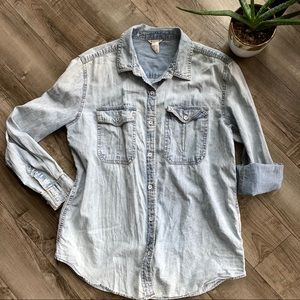 Forever 21 Chambray Blue Denim Long Sleeve Button